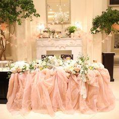 ふわふわ可愛いすぎる♡プリンセスみたいなピンクの〔チュール高砂〕のイメージ8選♡ | marry[マリー] Pink Wedding Decorations, Table Decorations, Wedding Bouquets, Wedding Flowers, Church Wedding, Sweet Style, Wedding Images, Pink White, Dream Wedding