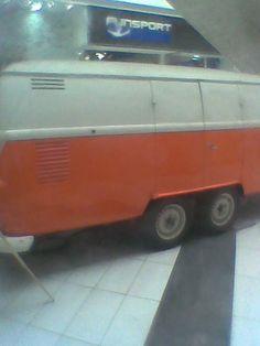 arro Combi Mall Plaza del Trébol : Furgón Volkswagen Combi transformado en carro para eventos, en Mall Plaza del Trébol.   msm123