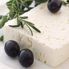 Scientists finally discover what makes Feta the healthiest cheese in the world - Greek City Times Gourmet Cheese, Fermented Foods, Appetisers, Greek Recipes, Goat Milk, Food Porn, Yummy Food, Stuffed Peppers, Homemade