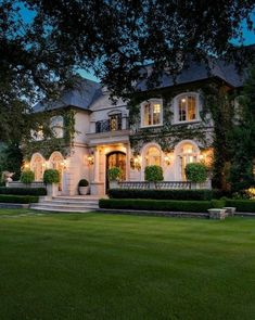 900 Mega Mansions Ideas In 2021 Mansions Mega Mansions Luxury Homes