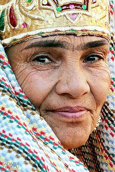 Uzbekistan... bukhara woman... Ajin*