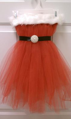 Never thought to make one out of tulle!  how cute!