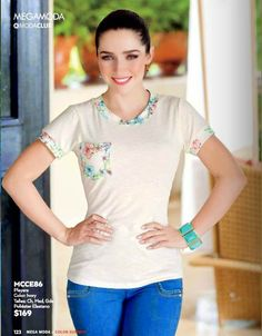 Ariadne Diaz luce Playera de PV 2015 MegaShoes Ariadne Diaz, Brunette Girl, Transformation Body, Woman Crush, Look Fashion, Trendy Outfits, Most Beautiful, Casual, Clothes For Women
