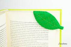Segnalibro Foglia in feltro, foglia verde, segnalibro ad angolo, regalo originale compleanno, fatto a mano in Italia, pannolenci di Lanatema su Etsy