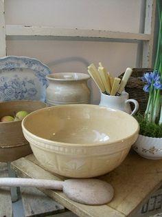 Vintage stone ware mixing bowl at Lavender House Vintage