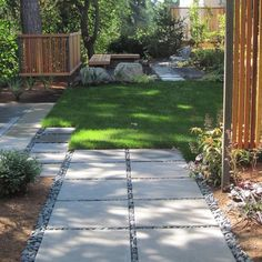 Contemporary Home Concrete Poured Stepping Stones Patio Design Ideas, Pictures, Remodel, and Decor - page 15