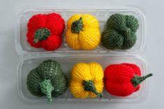 DU ZUERST: Obst und Gemüse aus Wolle