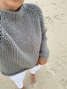 Easy Sweater Knitting Patterns, Beginner Knitting Patterns, Jumper Patterns, Knitting For Beginners, Knit Patterns, Free Knitting Patterns For Women, Hand Knitted Sweaters, Knit Fashion, Knit Crochet
