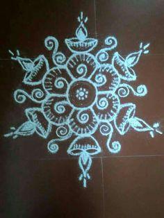 Simple Rangoli Designs Images, Small Rangoli Design, Rangoli Designs With Dots, Beautiful Rangoli Designs, Indian Rangoli, Diwali Rangoli, Easy Rangoli, Rangoli Borders, Rangoli Border Designs