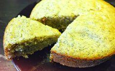 Cake aux graines de pavot et citron - spécial vegan! | 1 banane + une cuillère à café de beurre de cacahuète (= 3 oeufs) - 160 g de sucre de canne - 200 g de farine - 1 sachet de levure chimique + un peu de vinaigre de cidre (ça va mousser) - 110 gr d'huile de coco (=140 g de beurre) - 2 citrons non traités - 2 cuillères à soupe de graines de pavot