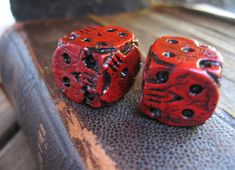 hand made red skull dice oogie boogie dice by FairyTaleNightmares