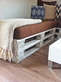 s'Bastelkistle: Roomtour: Wohnzimmer Entryway Bench, Storage, Furniture, Home Decor, Living Room, House, Projects, Entry Bench, Purse Storage