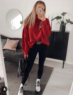 Which outfit would you add to your shopping list? Komplette Outfits, Trendy Outfits, Winter Outfits, Winter Fashion Outfits, Look Fashion, Fashion Beauty, Dr. Martens, Dr Martens Outfit, Outfits With Doc Martens