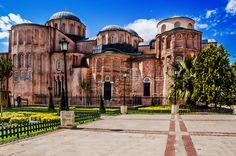 en.wikipedia.org/wiki/Zeyrek_Mosque