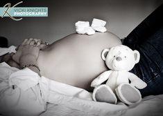 Ideas for Maternity Photoshoot Winter Maternity Photos, Maternity Poses, Maternity Portraits, Maternity Pictures, Maternity Photography, Baby Bump Photos, Newborn Photos, Pregnancy Photos, Baby Pictures