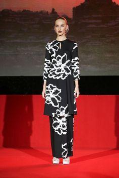 Baju Kurung - by Rizalman | Fashion design clothes ...