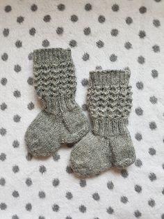 Wool Socks, Knitting Socks, Baby Knitting Patterns, Kids And Parenting, Projects, Diy, Patterns, Knit Socks, Log Projects