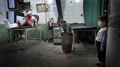 Las imágenes de uno de los fotógrafos liberados en Siria, ganadoras del premio de Médicos del Mundo / @desalambre_ | #syria