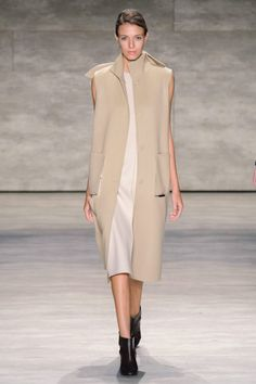Concept Korea Fall Collection at New York Fashion Week - nude color Ny Fashion Week, I Love Fashion, Runway Fashion, High Fashion, Fashion Show, Fashion Outfits, Fashion Design, Catwalk Collection, Business Fashion