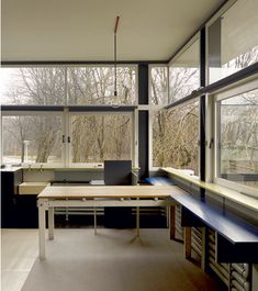 The Schroder House corner-window brings the landscape into the house Walter Gropius, Architecture Details, Interior Architecture, Interior Design, Mondrian, Bauhaus, Schroder House, Home Office Space, Decoration