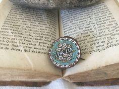 Italian vintage Brooch Micromosaic Micro Mosaic 19th with mosaic daisy flowers Handmade de la boutique VintagedeFrance sur Etsy