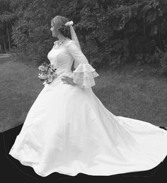 Talking with a dressmaker, you can take any details & recreate a true Winter Wonderland Gown that fits your wedding theme.