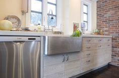 Design New England Coastal Kitchen - hand hammered copper farmhouse sink