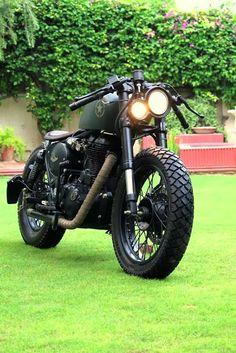 Assault the modified 500 cc Royal Enfield bobber by Rajputana Custom Motorcycle. Cafe Racer Moto, Cafe Racing, Cafe Racer Bikes, Auto Racing, Blitz Motorcycles, Cool Motorcycles, Vintage Motorcycles, Bobber Bikes, Royal Enfield