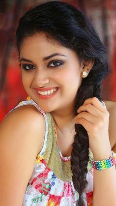 Kajal Aggarwal Is your Mother still living ? Beautiful Girl Wallpaper, Beautiful Girl Photo, Beautiful Girl Indian, Most Beautiful Indian Actress, Beautiful Gorgeous, Beautiful Women, Cute Beauty, Beauty Full Girl, Beauty Women