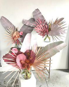 65 new Ideas for flowers arrangements drawing floral Tropical Flowers, Exotic Flowers, Beautiful Flowers, Floral Flowers, Purple Flowers, Dried Flower Arrangements, Dried Flowers, Paper Flowers, Tropical Floral Arrangements