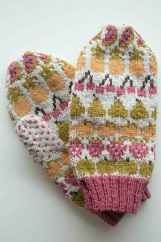 fruit mitts by emma kerian - too cute!! / in quince & co. finch, colors audouin, honey, pomegrantate, apricot, and bark