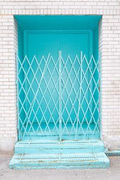 dantmccarthy: Blue Green Door - Farah's Secret World