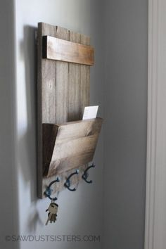 Easy Woodworking Projects – Farmhouse Style Shiplap Wall Key Holder – Cool DIY Wood Projects for Beginners – Easy Project Ideas and Plans for Homemade Gifts and Decor 34 Easy Woodworking Projects – DIY & Easy Woodworking Projects – DIY Woodworking For Kids, Beginner Woodworking Projects, Popular Woodworking, Woodworking Crafts, Woodworking Plans, Woodworking Furniture, Furniture Plans, Wood Furniture, Woodworking Machinery