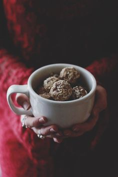 #Easy Paleo (Vegan + Gluten Free) Nut Butter Truffles