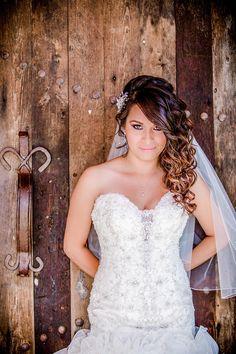 New Wedding Venues Ontario Canada Haciendas Ideas Red Wedding Centerpieces, Wedding Venues Ontario, Rustic Wedding Dresses, Elegant Wedding, Berry Wedding, Diamond Hair, Diy Wedding Video, Curly Wedding Hair, Industrial Wedding