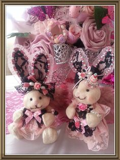 Shabby chic easter bunny pink rose    Bekijk dit items in mijn Etsy shop https://www.etsy.com/listing/185451377/set-of-2-shabby-chic-victorian-angel