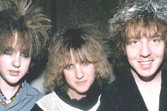 Lets Active Let's Active's Faye Hunter 1954-2013 R.I.P. Pictured above, center, she was the original bassist for the beloved 1980's NC power pop trio. Article By Fred Mills