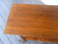 DIY: fix scratches in wood furniture
