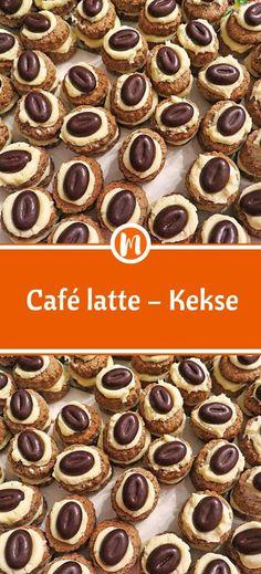Café latte – Kekse - Zutaten 300 g Mehl 150 g Butter 1 Ei(er) 3 EL Kaffee, starker, kalter 75 g Zucker 200 g Kuv - Healthy Smoothie, Coconut Milk Smoothie, Berry Smoothie Recipe, Easy Smoothie Recipes, Easy Smoothies, Snack Recipes, Healthy Recipes, Dessert Simple, Mocha