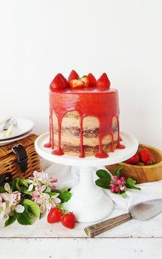 Strawberry, elderflower and almond layer cake, yum!