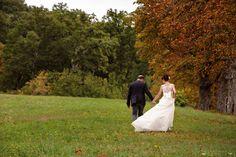 Take my hand and never let me go... Captured by @senzaposamaury . . . . . #engaged #weddingphotography #shesaidyes #gotengaged #justengaged #gettingmarried#bridesmaids #bridetobe #heproposed #heputaringonit #willyoumarryme #ido #gettinhitched #itstartedwithyes #happinessoverload #imgettingmarried #futurebride #gettingmarried #tuscanywedding #fairytalemoment #weddingideas #fairytalewedding #instabride #weddingstyle #bridal #bride #groom #tuscany #ido #engaged #everygirlsdream