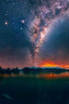 """""""Catch the Milky Way while stargazing at Lake Heron, New Zealand RT Beautiful Sky, Beautiful Landscapes, Beautiful Pictures, Night Sky Stars, Night Skies, Milky Way, Landscape Photographers, Landscape Photos, Stargazing"""