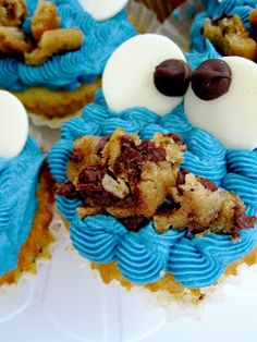 Chocolate Chip Cookie Dough 'Cookie Monster' Cupcakes