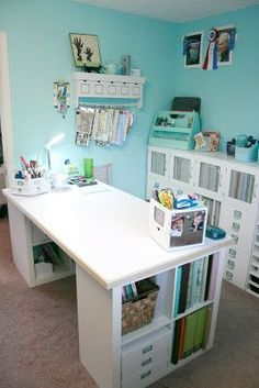 Why yes, I should be doing something else. Ha!: My Craft Room: The Desk Area! #scrapbookcrafts