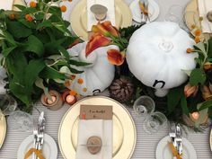 Table linen, floral & styling by Table Art. Linen stripe overlays, ivory stripe napkins, good charger plates. www.tableart.com.au