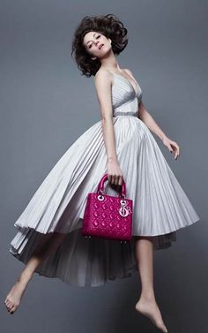 マリオン・コティヤール - これぞレディ!Lady Dior Newフォト | 海外セレブファッションスナップ CELEB SNAP
