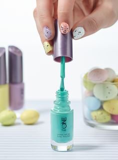 Special Easter-inspired pastel #manicure for you to try.
