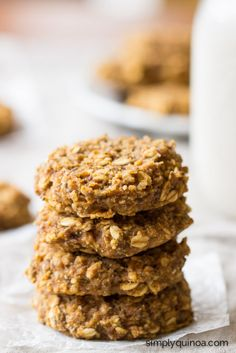 Pumpkin Pie Quinoa Breakfast Cookies -- a healthy breakfast that tastes like a decadent dessert! {gluten-free + vegan}