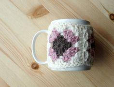 Granny square crochet mug cozy - from 10 FREE #crochet mug cozies on Craftsy