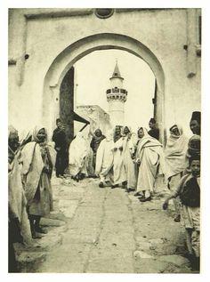 سوق المشير...  صورة نشرت في كتاب  Life in Tripoli ... صدر سنة 1894... طرابلس ليبيا Tripoli Libya